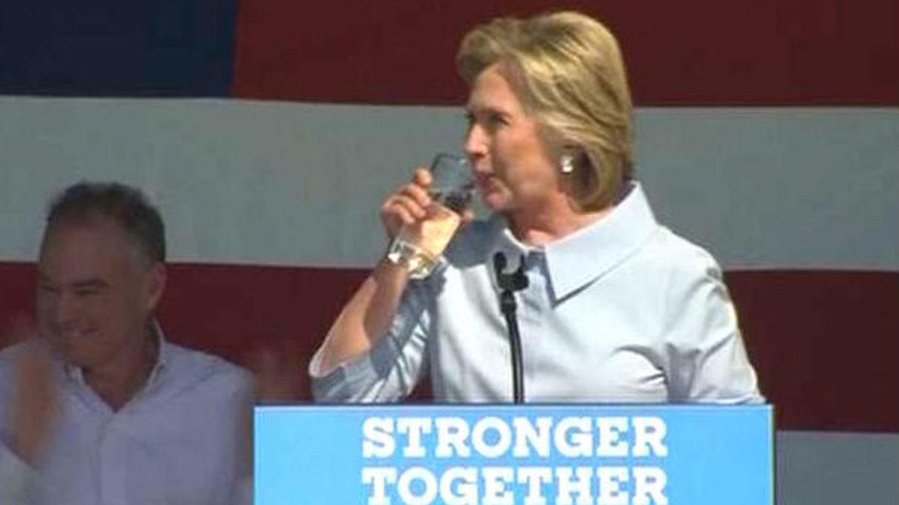 Clinton ganaría las elecciones por cuatro puntos según el último sondeo
