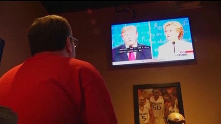 Frenética pelea final por el voto entre Clinton y Trump