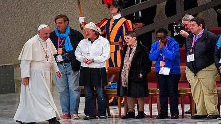 El Papa pide perdón por los cristianos que miran a otro lado ante un pobre