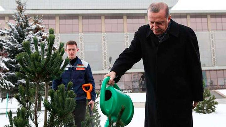 Erdogan pide referendo sobre la UE si no hay luz verde antes de fin de año