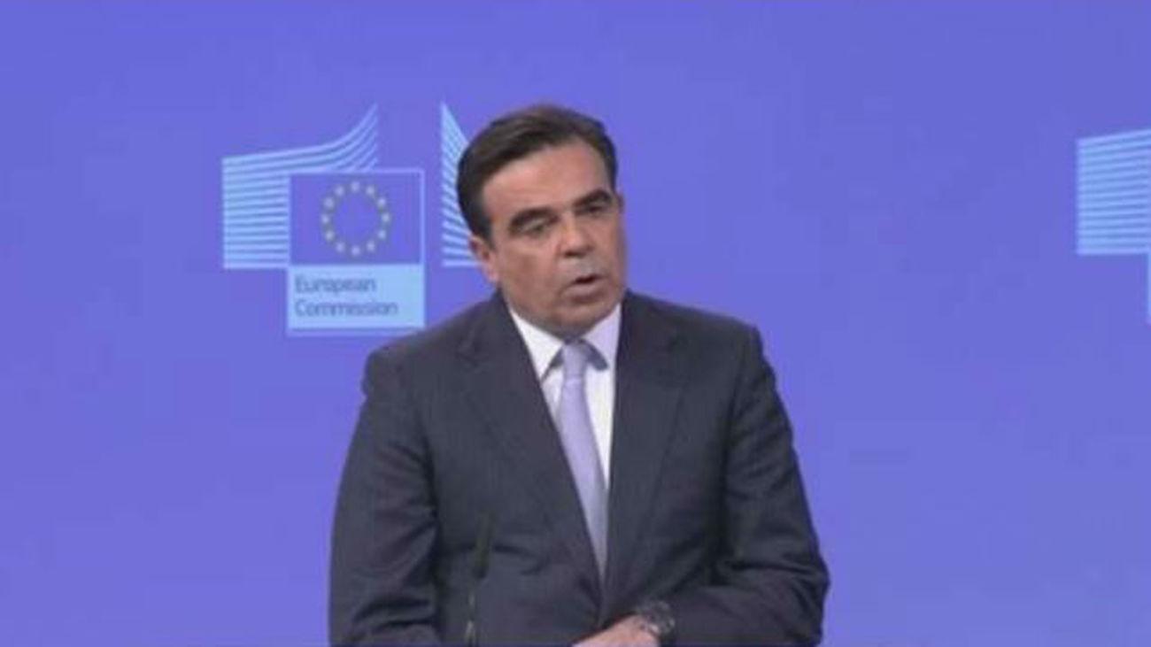 Bruselas no congelará fondos a España  pese a incumplir el déficit de 2015