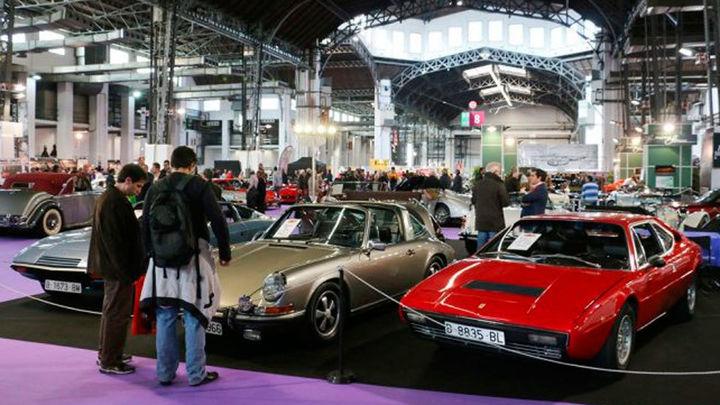 Pasión por los coches 'vintage' en Auto Retro Barcelona