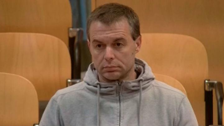 La Policía halló huellas del pederasta y de una niña en el colchón de su piso