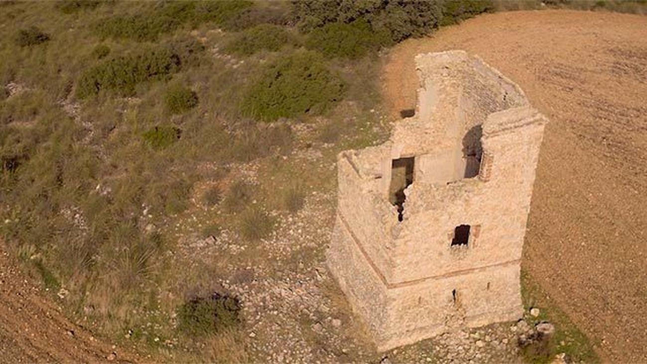 Perales de Tajuña: La Torre del Telégrafo y el artesonado de Santa María del Castillo