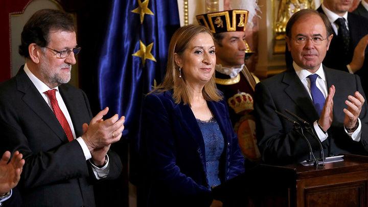 Rajoy pide prudencia y no frivolizar ante posible reforma de la Constitución