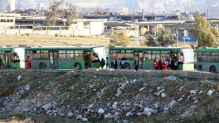 Suspendida la evacuación del este de Alepo tras varias explosiones