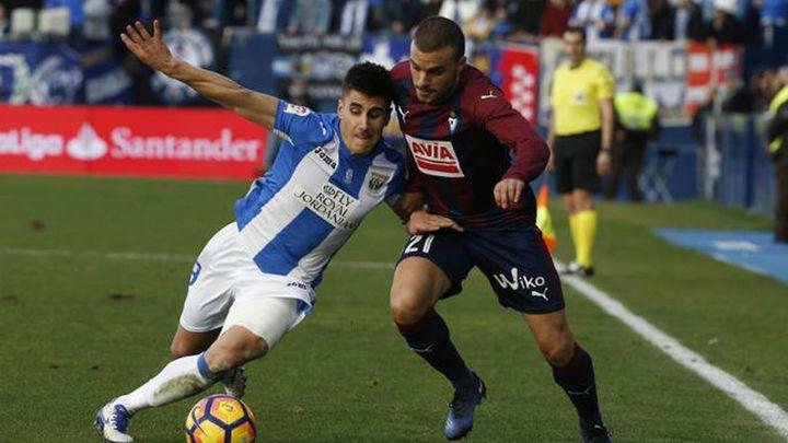 1-1. El Leganés, con 10, suma un valioso punto ante el Eibar