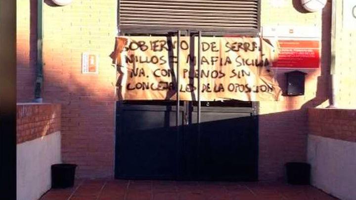 Piden la dimisión al alcalde Serranillos que dió positivo en un control de alcoholemia