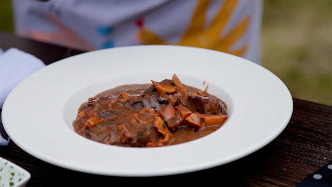 La receta setera: Lengua de vaca y carrilleras ibéricas estofadas y gratinadas
