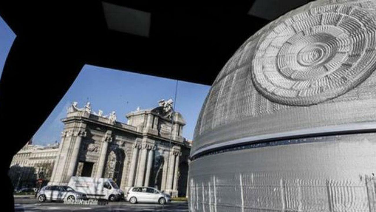 """Finaliza la impresión en 3D de la Estrella de la Muerte de """"Star Wars"""""""