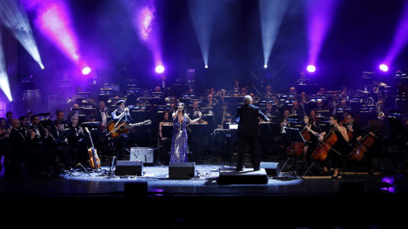 Amaral hechiza con sus éxitos a un Teatro Real repleto