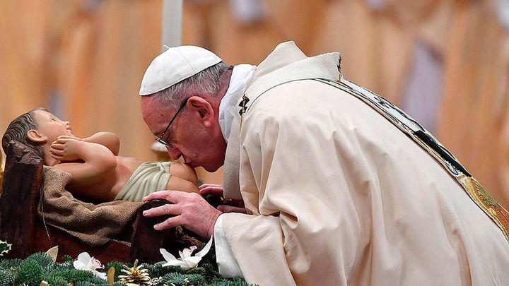 El papa critica el culto al poder y la apariencia, que traen tristeza y miedo