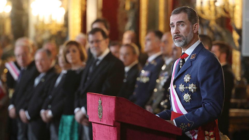 El rey Felipe VI pronuncia su discurso en el Salón del Trono, durante la celebración de la Pascua Militar