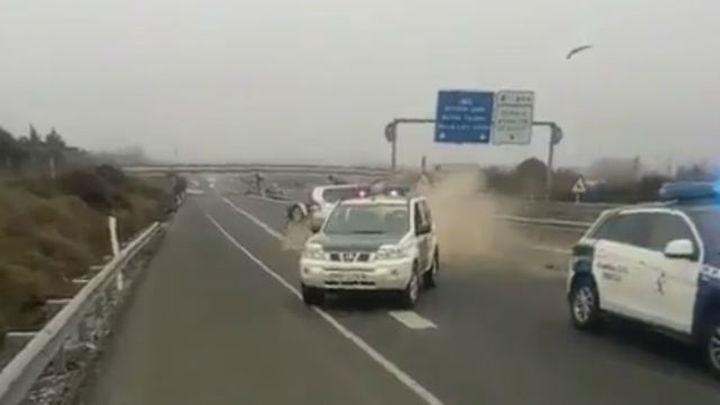 Detenido tras conducir 40 kms en sentido contrario y colisionar contra la Guardia Civil