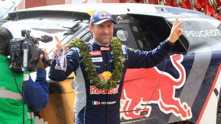 Peterhansel, más líder tras ganar la séptima etapa del Dakar