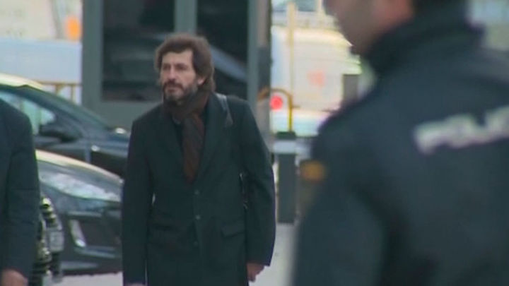 El juez deja libre a Oleguer Pujol pero le retira el pasaporte
