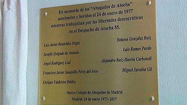Placa en recuerdo de los abogados asesinados en Atocha