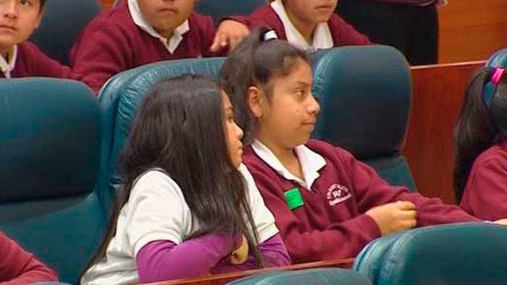 150 escolares madrileños se convierten en diputados por un día en la Asamblea