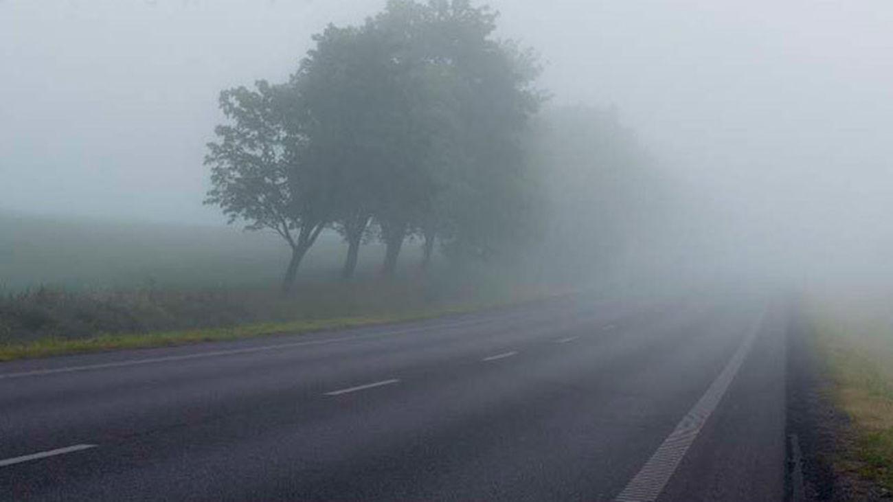 La niebla complica la circulación en algunas carreteras de Madrid