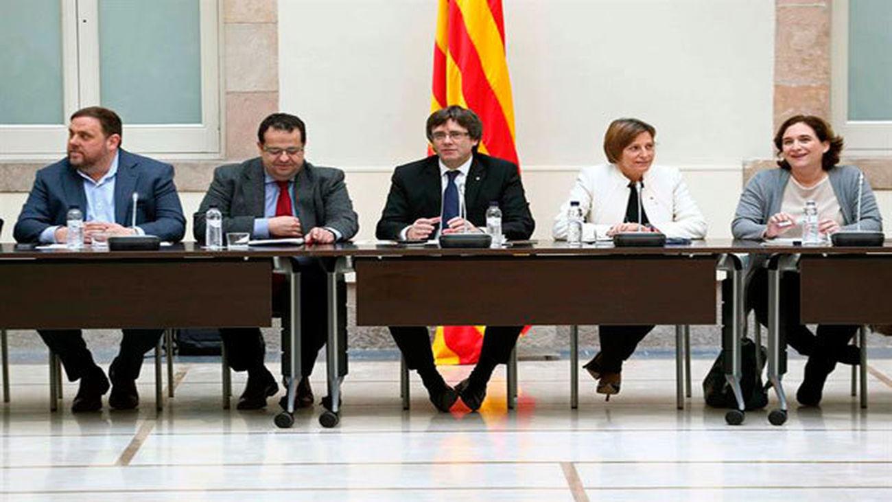 El 'Pacto Catalán por el Referendum' quiere reunirse con el Gobierno central y con eurodiputados