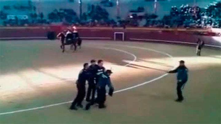 La Guardia Civil investiga a un agente por amenazar a un activista antitaurino