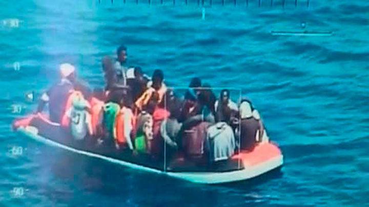 Cae una red que controlaba el tráfico ilegal de inmigrantes a través del Estrecho