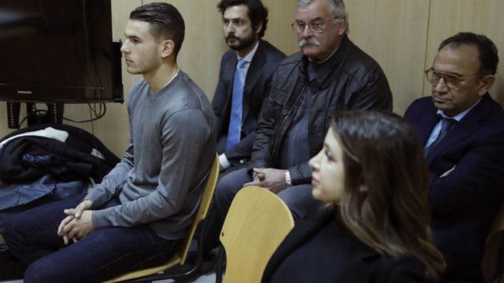 Lucas y su novia, juzgados por agresiones mutuas