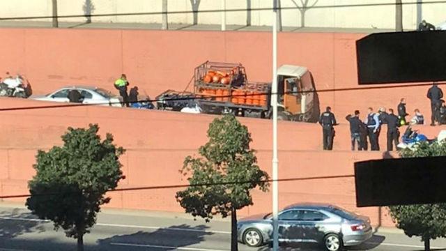 Persecución a tiros en Barcelona tras el robo de un camión de butano