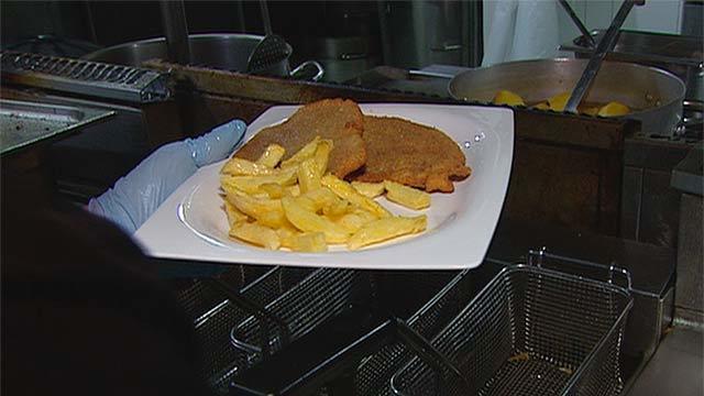 Los riesgos de freír demasiado las patatas