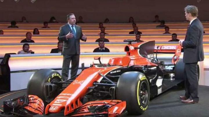 McLaren tiñe de naranja el nuevo MCL32