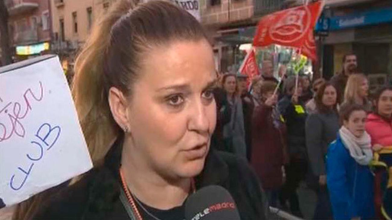 Trabajadores del Moscardó se manifiestan para reclamar la subrogación de sus empleos