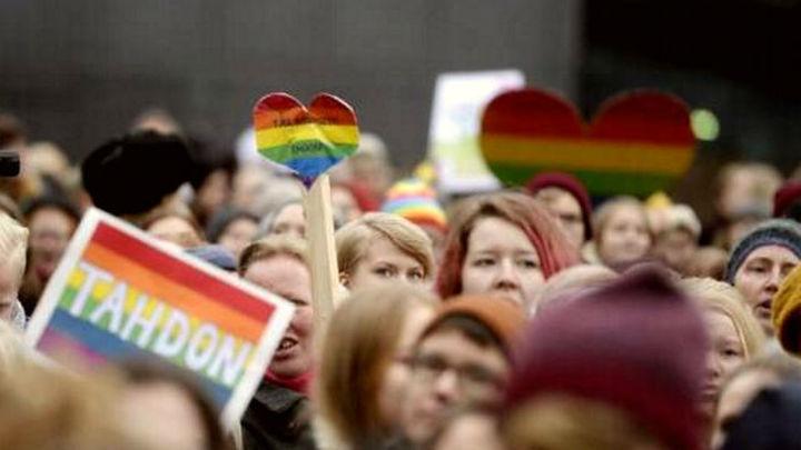 Finlandia, último país nórdico en legalizar el matrimonio homosexual