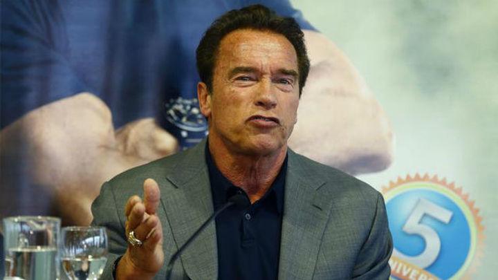 """Trump dice que Schwarzenegger fue """"despedido"""" de su programa de televisión"""