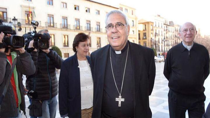 El arzobispo de Granada asegura que jamás sospechó de abusos del padre Román