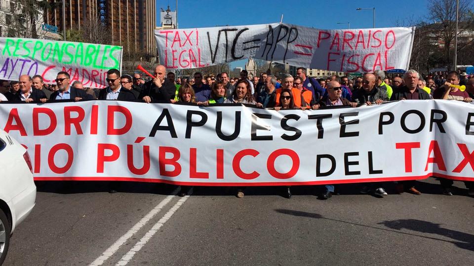 Manifestación de los taxistas en el Paseo de la Castellana (Onda Madrid)