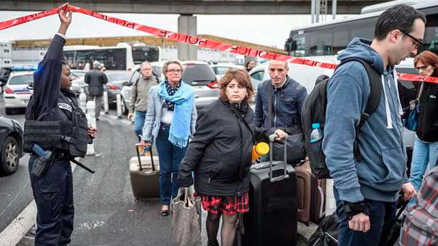 Desalojado el aeropuerto de Orly