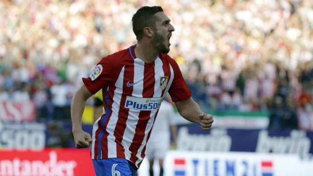 El centrocampista del Atlético de Madrid Koke Resurrección celebra su gol marcado al Sevilla