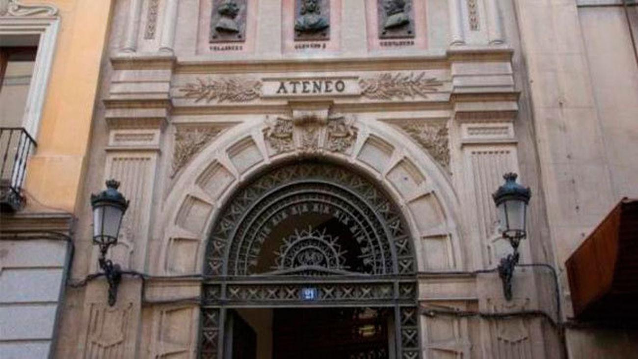 Portada del Ateneo de Madrid