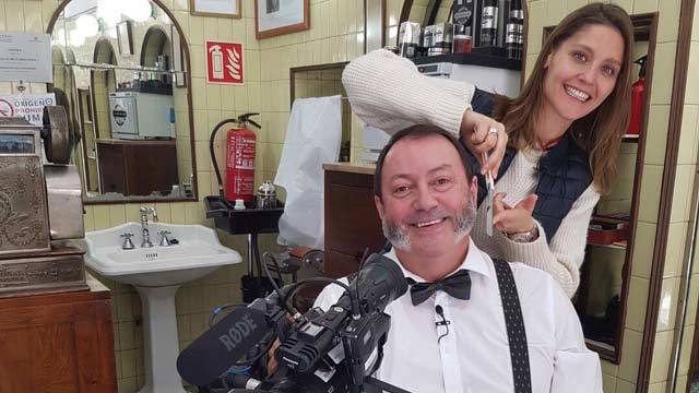 Olivia Freijo, en la barbería más antigua de Madrid