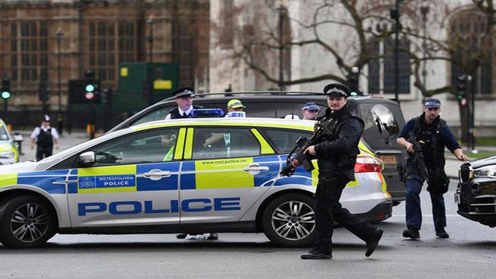 Cuatro muertos y al menos 20 heridos en un ataque terrorista frente al Parlamento británico