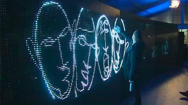 """""""Graffitis de luz"""" en la Plaza Mayor"""