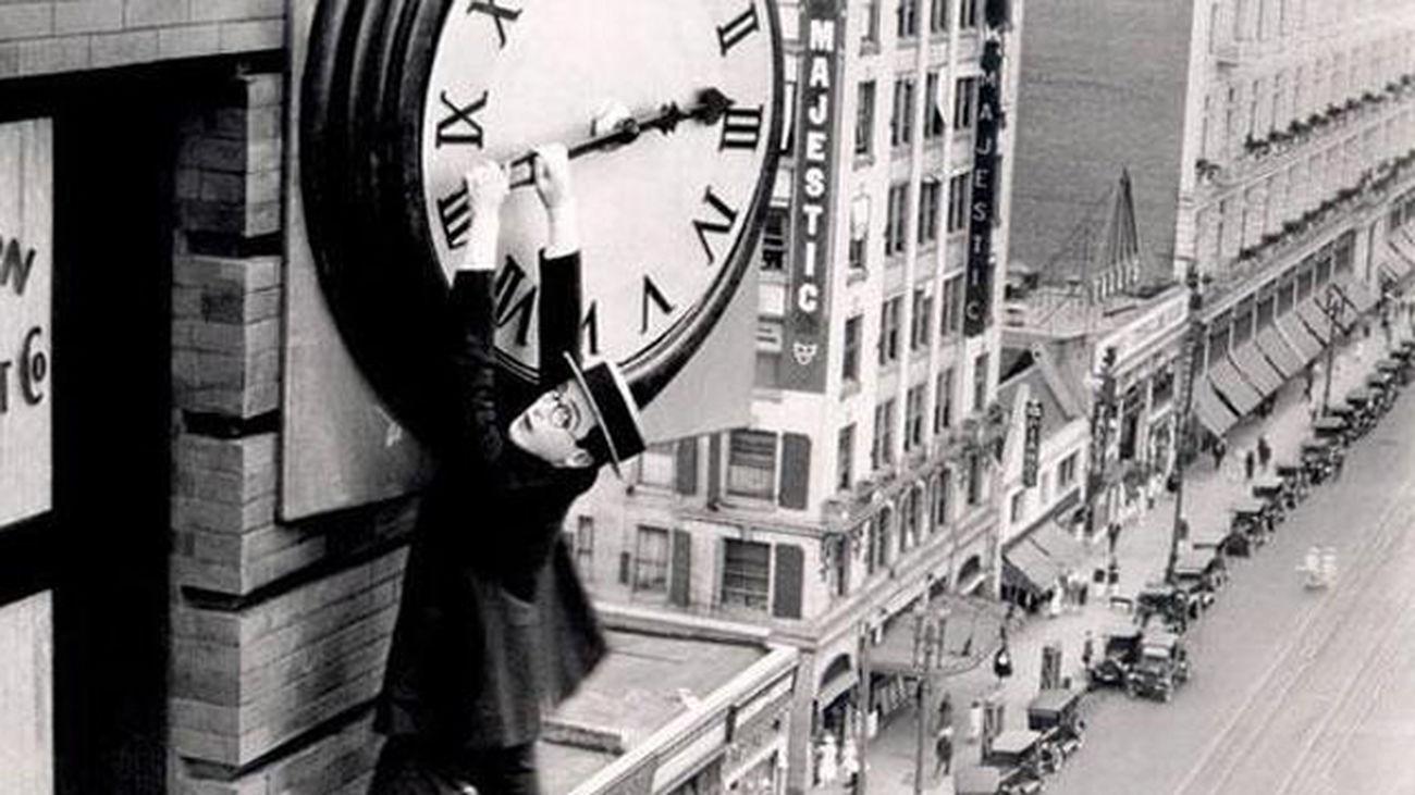Los relojes se adelantarán una hora esta madrugada