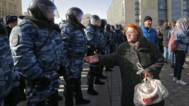 Decenas de miles de rusos protestan contra la corrupción