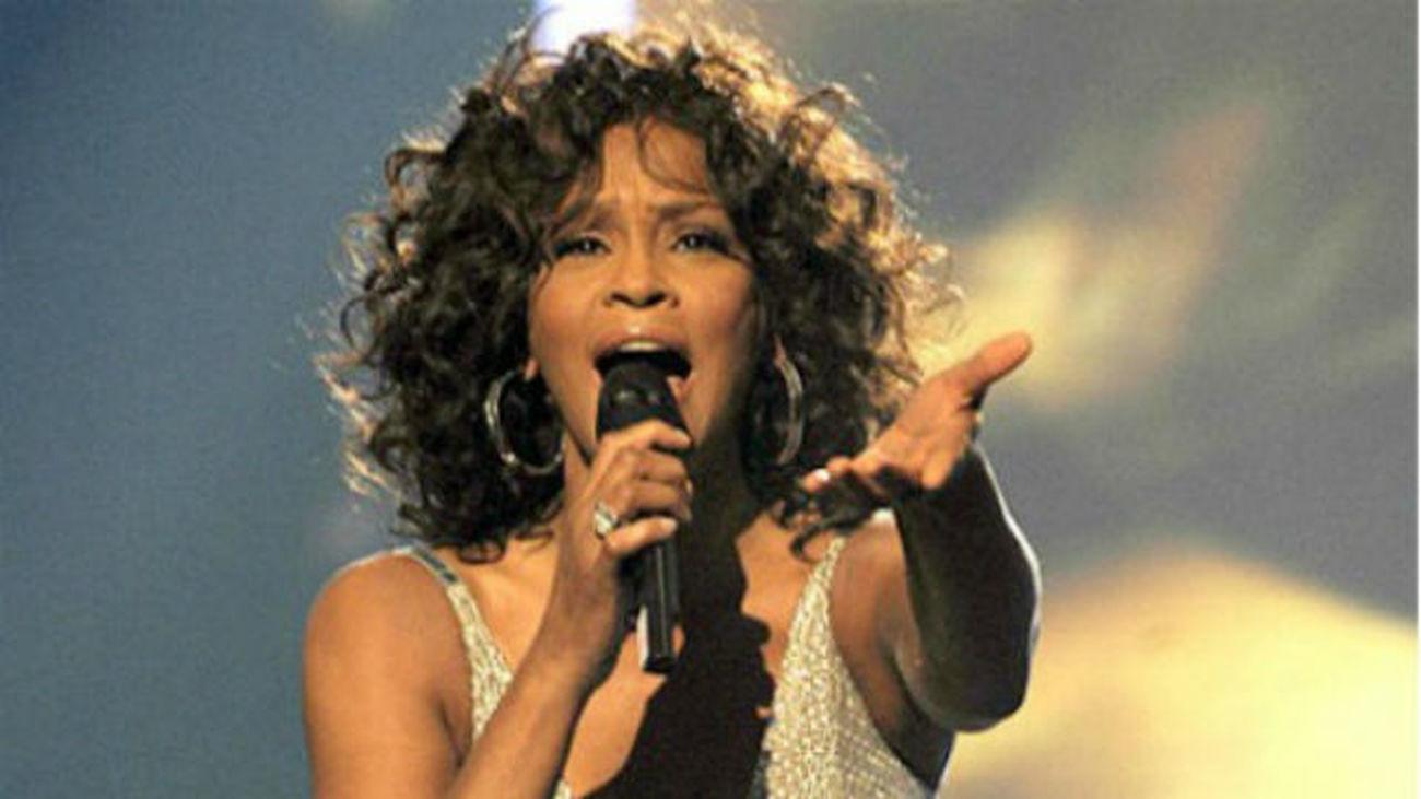 Whitney Houston, primera artista negra de la historia con 3 discos de diamante
