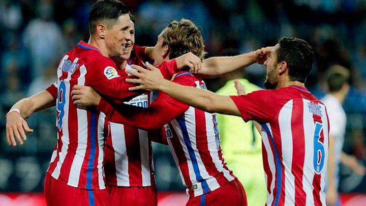 0-2. El Atlético mete presión al Sevilla y hunde más al Málaga