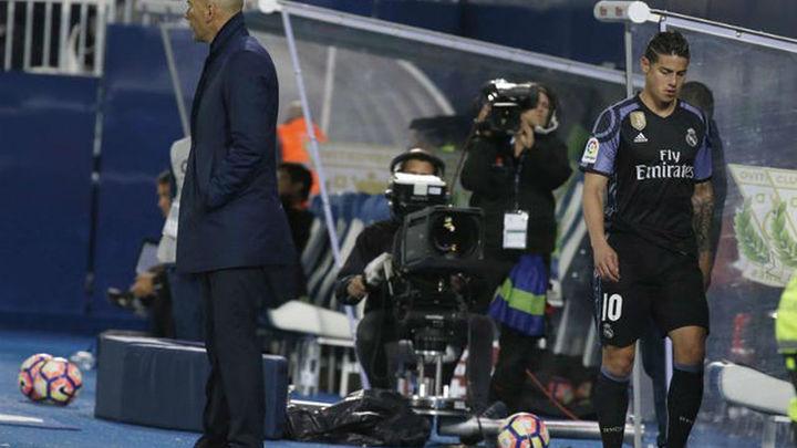 A James se le agota la paciencia con Zidane