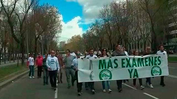 Autoescuelas de la Comunidad vuelven a manifestarse por La Castellana por la falta de examinadores