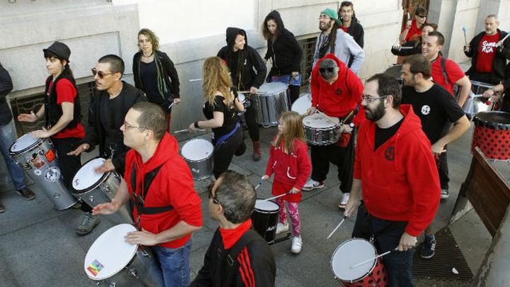 """Familiares de Couso denuncian frente a la Embajada de EEUU que haya """"víctimas de segunda"""""""