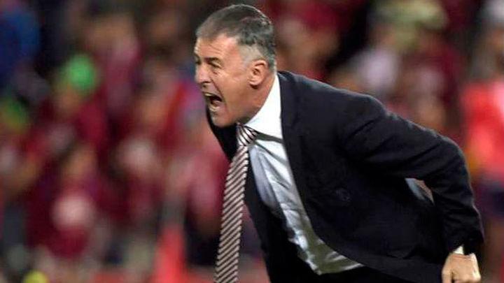 El Granada destituye a Lucas Alcaraz y nombra a Tony Adams como su sustituto