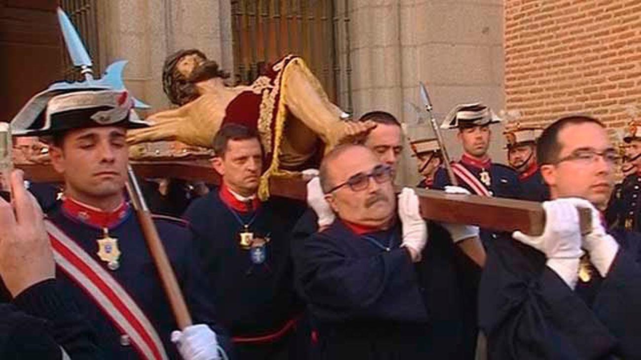 El Cristo de los Alabarderos trasladado al Palacio Real